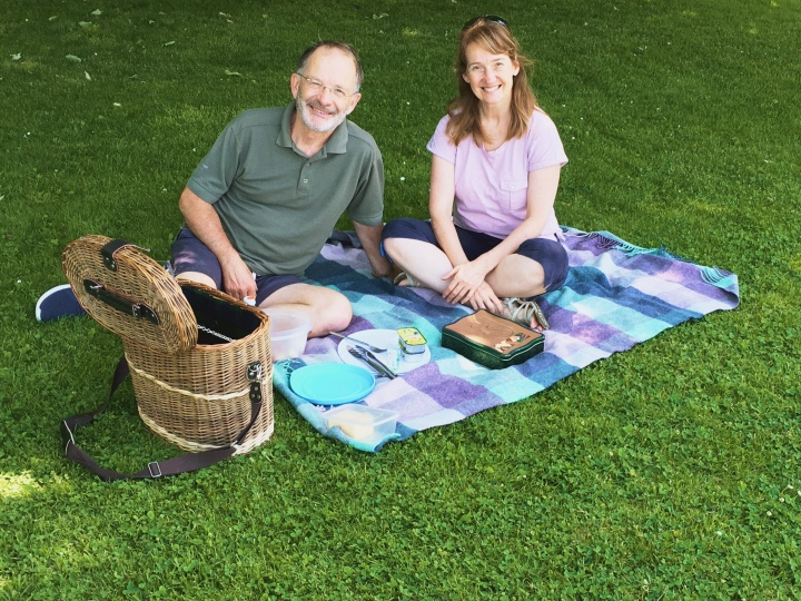 How to eat out and stay safe – Have a picnic!